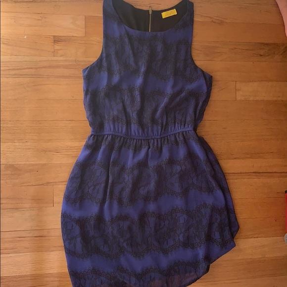 Elle Dresses & Skirts - Dress